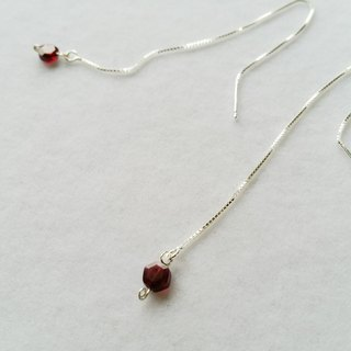 Sterling Silver Earline (Garnet) 925 silver earline with garnet
