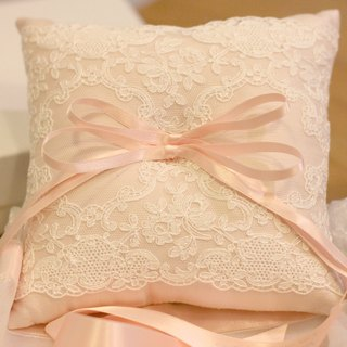 Neoclassical handmade lace ring pillow (pink)