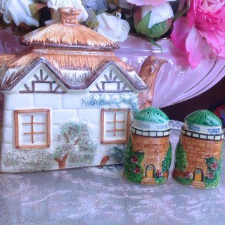 ♥ ♥ Annie crazy Antiquities Nippon bone china in 1920 full production workers hand-painted cottages antique seasoning salt shaker cans pepper cans seasoning tank unit