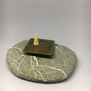 Incense holder ~ Flower Shades ~ brass processing methods of aging, with a unique stone texture, hand-made poetry single product, happiness!