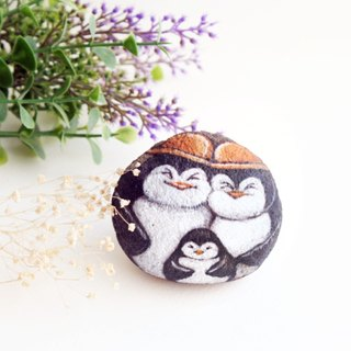 Family Penguin stone painting