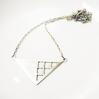 [Triangle I] triangle shape sterling silver necklace