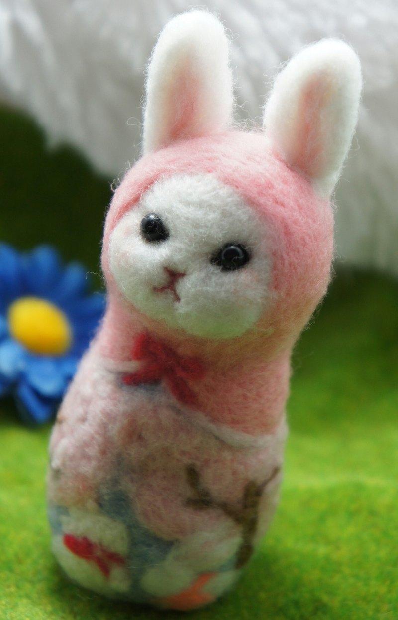 羊毛氈賞櫻兔子俄羅斯娃娃  訂製