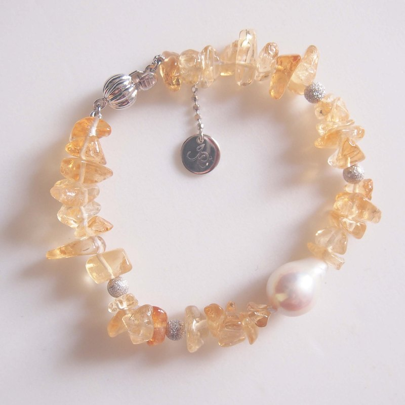 Citrine with nature freshwater pearl bracelet