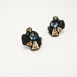 Satellite Embroidery Earrings / Gold