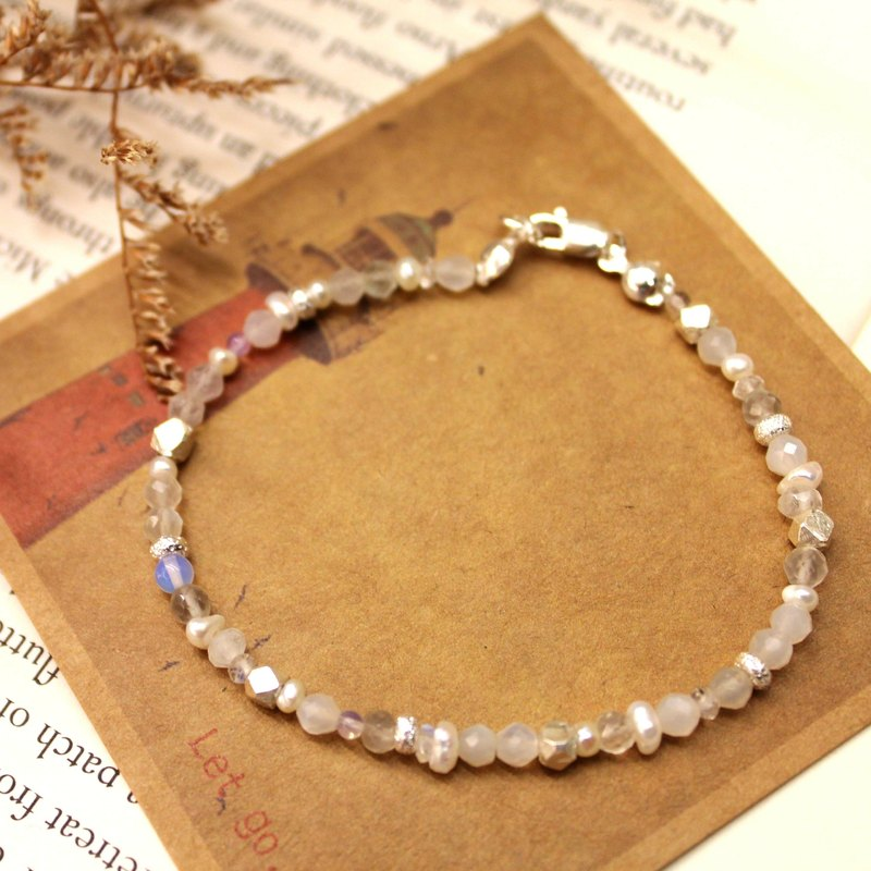 Journal (White Sea logs) - half-white bubble / silver hand-made, natural stone hand Bracelet