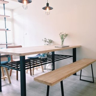 Pine desk / conference table / meeting necessary (excluding the chair)