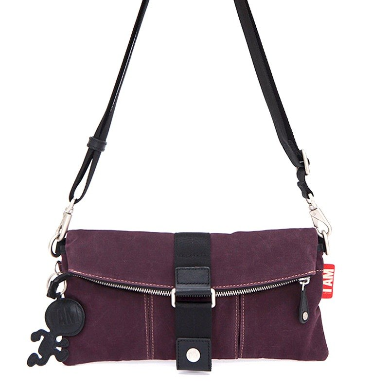 [Free shipping] I AM - GSE Classic KISS oblique Clutch [purple]