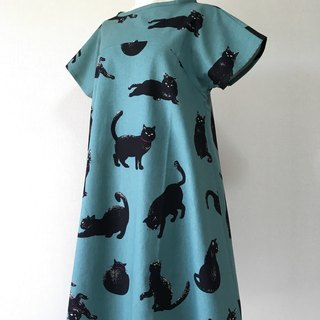 Cozy black cat flare one piece dress leaf green short sleeve