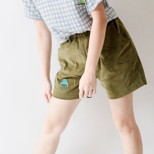 Bow three feet with gods / outdoor shorts / forest green