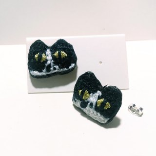 Crash of one pair of earrings earrings cat Crochet embroidery