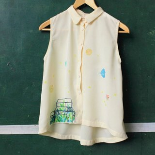 Hand made illustration picture book beige white sleeveless shirt - do not eat meat big bear and blue planet girl - page2