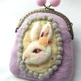 兔子羊毛氈口金包