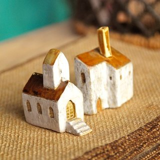 Yellowish brown roof -3 Southern France Thao house (ceramic 2) Christmas + Birthday Gifts