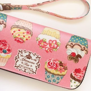 Fun pink cupcakes. Waterproof long clip / wallet / purse / purse