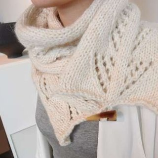 Winter leaves Scarf - ivory white (tricolor) handmade