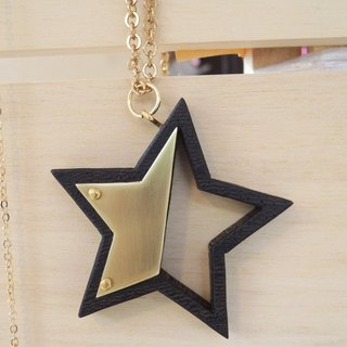 Five-pointed star wood necklace