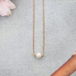 Pearl necklace brass 0317 Monday
