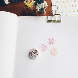 Deerday hand carved chapter mini roses