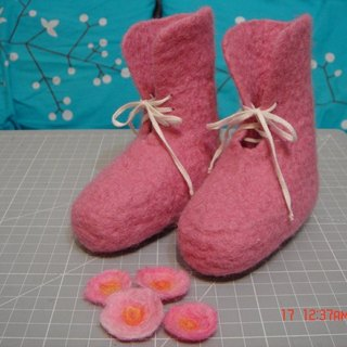 Pink wool felt baby shoes