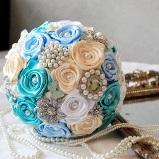 Bouquet of roses jewelry jewelry [series] Rose pearl / color can be customized