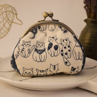 Blue cat feels gold coin purse