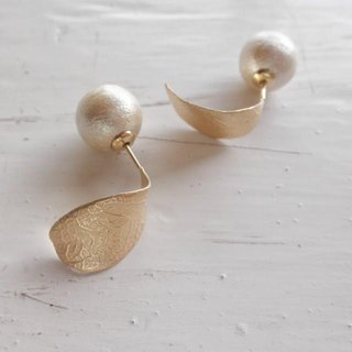 10mm ball leaves and cotton pearl earrings