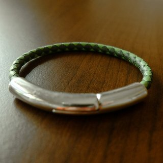 Christmas gift half magnetic buckle leather braided bracelet (dark green + grass green) music in hand made European jewelry