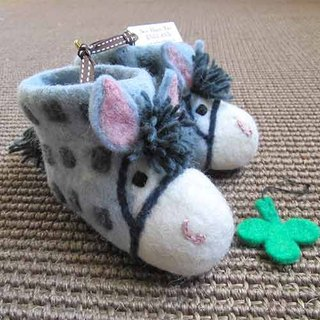 Warm indoor shoes/Miss Moonlight UK sew heart felt Grazing lamb wool felt shoes--Farm pony