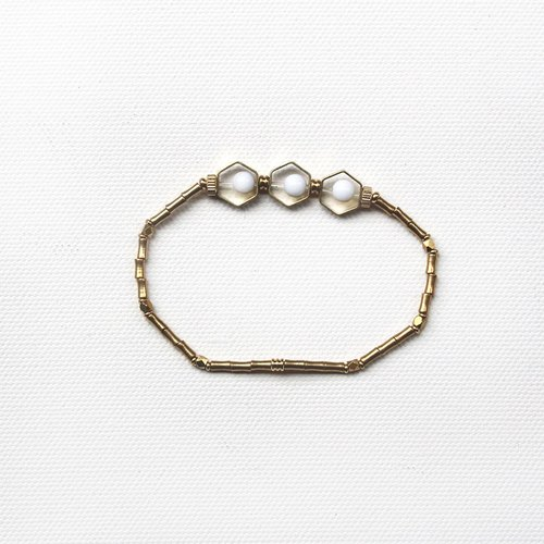 half's half- attic window - Hexagon / Brass / bracelet / bracelet / white / elastic thread