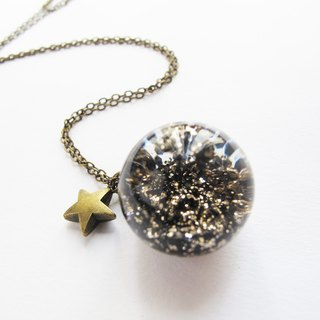 *Rosy Garden*Black and Gold glitter with water inisde glass ball necklace