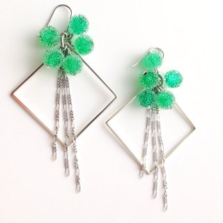 [Order production] earrings / Silver 950 SHIKAKU × freezing bonbon: Green