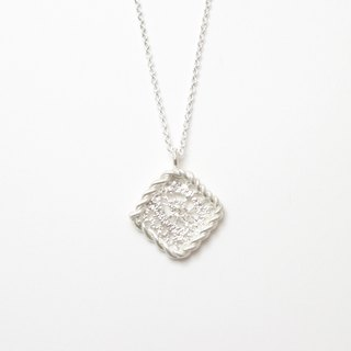 Lace Fried Dough Twist Necklace