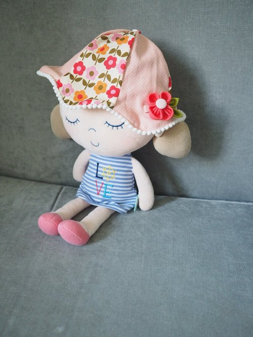 Handmade Hat and hair clip set with little red flower set