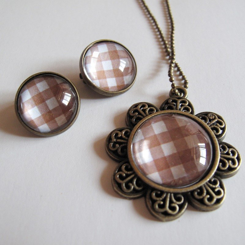 Light brown Scottish pattern necklace ear clip ear acupuncture group