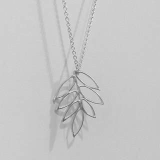 Set Wyatt. Leaf hollow silver necklaces. 001