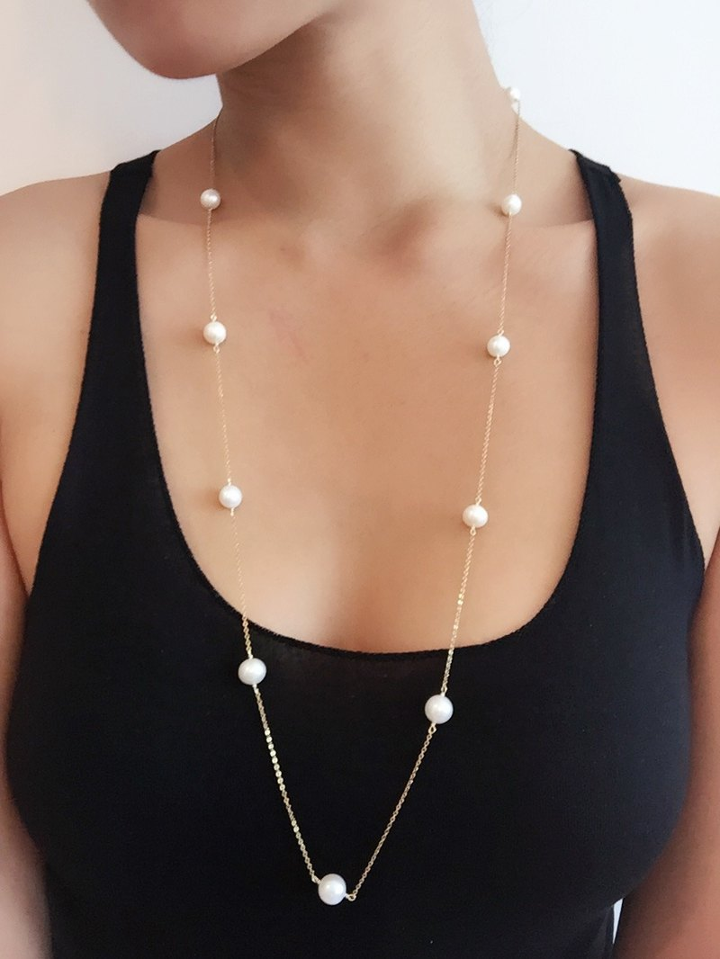{An Education} AA grade freshwater pearls long chain // 14K gold note