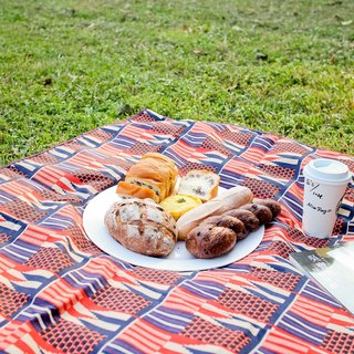 Traveler & Picnic // Portable Camping and Picnic Outdoor Blankets - Bees