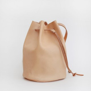 The first layer of tanned leather handmade leather bag handmade bucket bag color