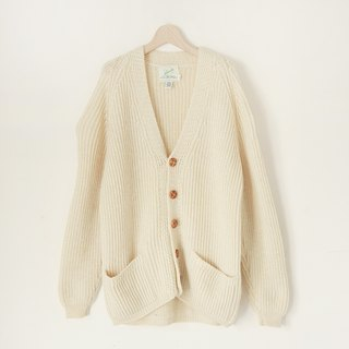 A ROOM MODEL - VINTAGE, CS-1637 islander vintage white knit cardigan sweater with Shimokitazawa
