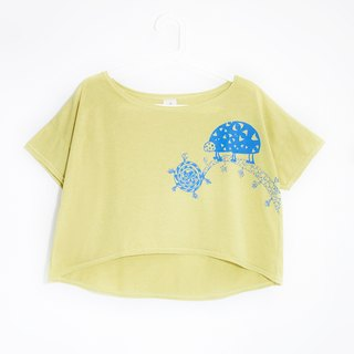 Women feel cotton short-Tee / irregular Tops - Nepal Ladybug (apple green)