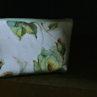 [T - C Manually purse green painted flowers