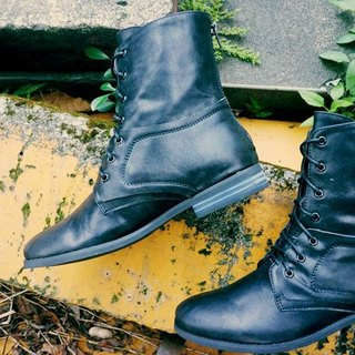 # 879 # I'm not the kind you want to double 层 绑 double-tie military boots black