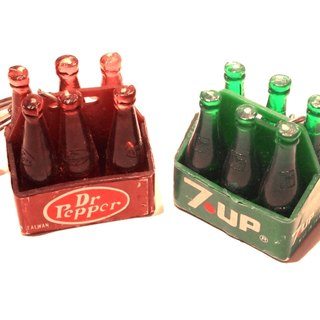 The early 1980s, the United States 7 up & Dr Pepper soda keychain