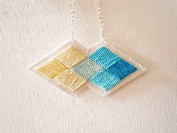 Blue and yellow diamond necklace non-woven embroidery (only this one, do not hit the paragraph)