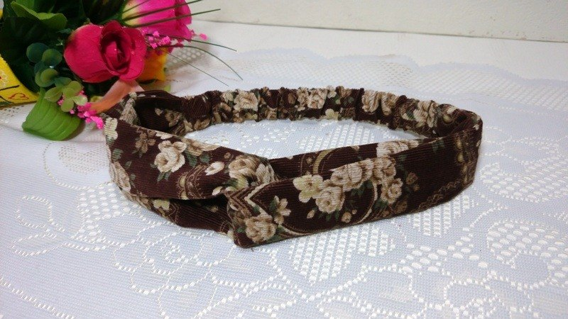 Classical cross section headband ~
