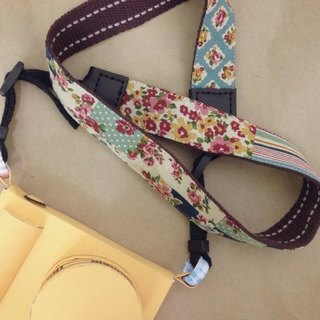 Clare cloth hand made * Great vintage floral elegant camera strap