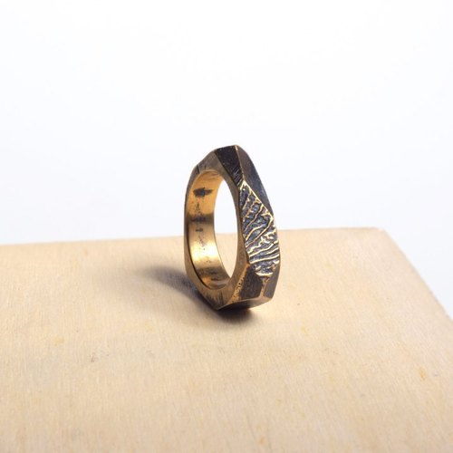 Urban jungle of self-rule irregular cut texture brass horn ring # 3 mark context