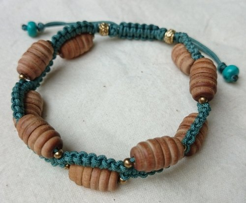 Natural sandalwood beads wave knot bracelet - Bihu Green