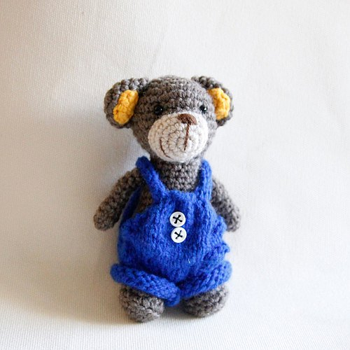 Amigurumi crochet doll: Little bear, Gray bear, knitting blue bib short